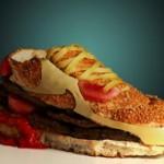 Модники в кроссовках Nike и  New Balance
