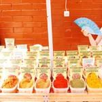 Прогулка по центральному рынку Кишинёва: хрусталь, грунтовая рукола и D&G