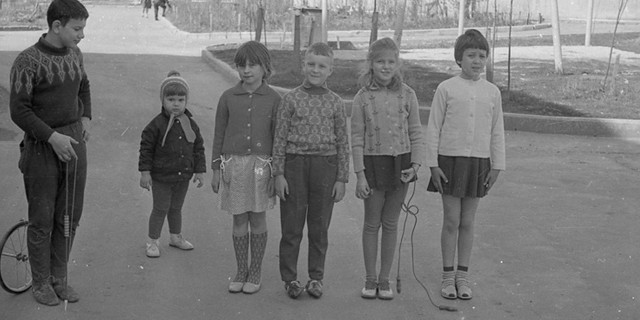 soviet-kids_outdoor