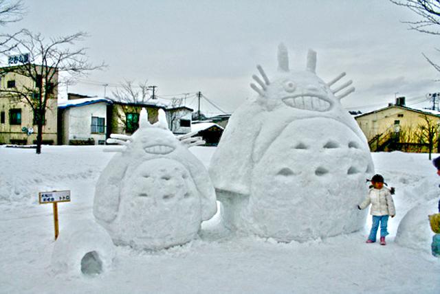 Funny-Totoro-Snowman-1