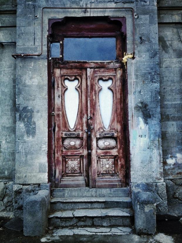 Alex-Gurdila_Porti-ferestre-usi-din-Chisinau-04