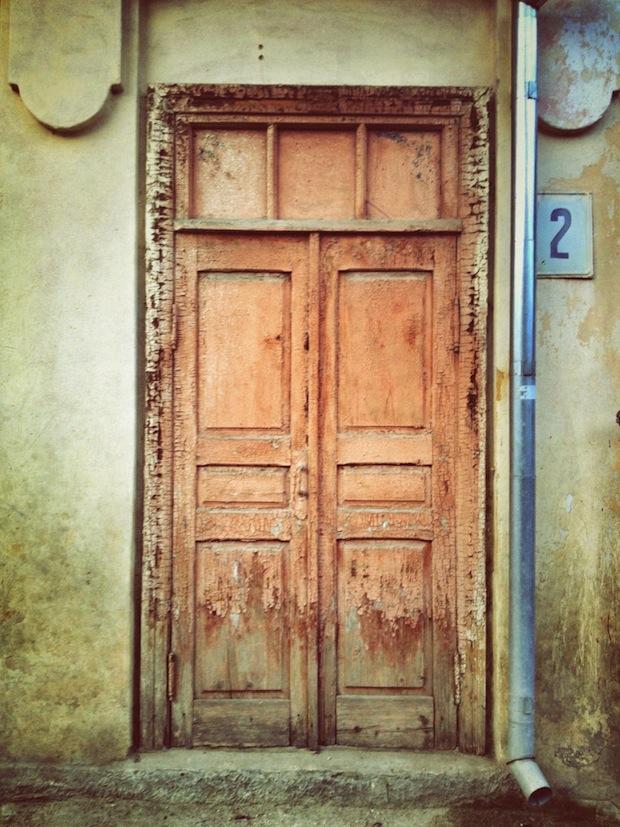 Alex-Gurdila_Porti-ferestre-usi-din-Chisinau-05