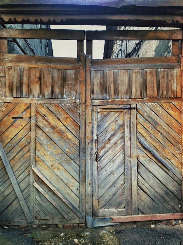 Alex-Gurdila_Porti-ferestre-usi-din-Chisinau-06