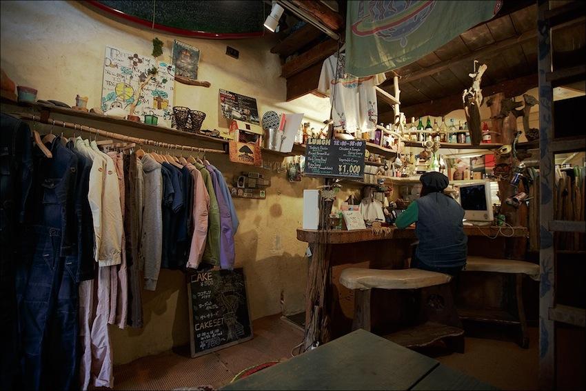 Кафе — in Tokyo, Japan.