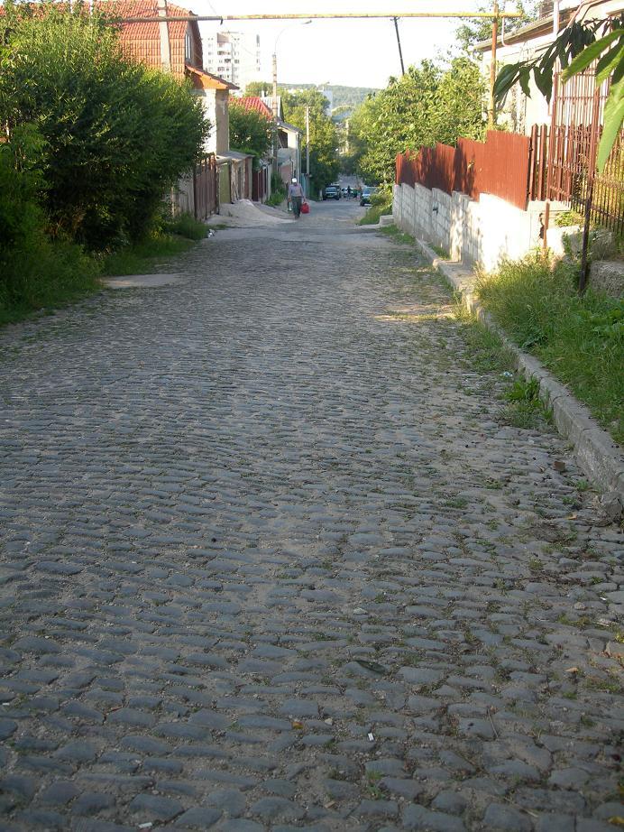улица Milano (Зелёная) между Кока и Еврейским кладбищем.