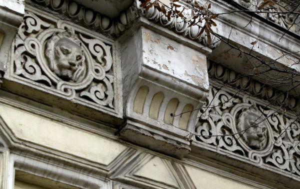 Львы на особняке Рышкану. Источник фото: http://apdance1.livejournal.com