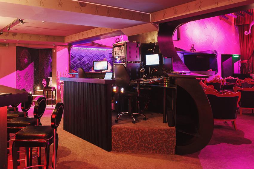 karaoke-hall-atrium-10