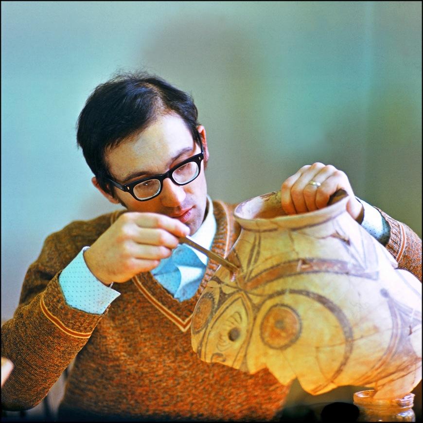 Археолог-реставратор (80-тые годы). Автор- Иван Кибзий.