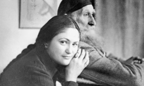 Натурщица и галеристка Дина Верни (Айбиндер) со скульптором Аристидом Майолем