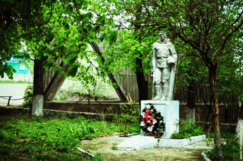 lapusna-09-moldovenii