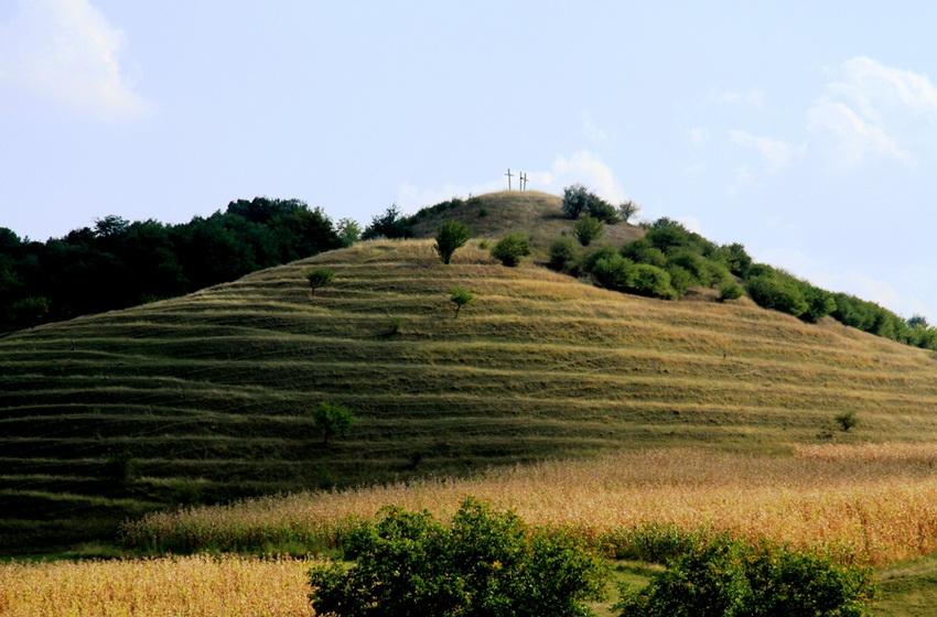 Гора Голгофа. Вид  с монастырского двора.