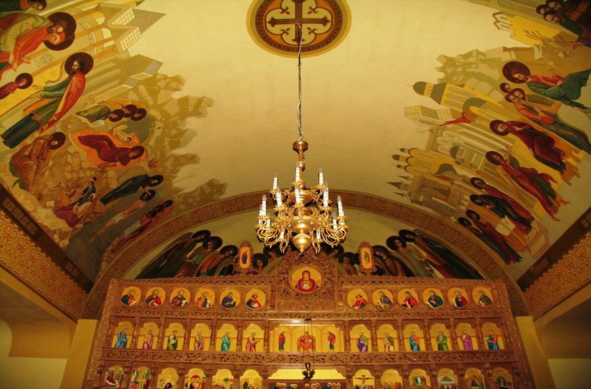 Купол и часть алтаря