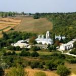 Путешествия по Молдове: Добрушский монастырь