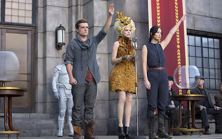 kinopoisk.ru-The-Hunger-Games_3A-Catching-Fire-2206294-(1)