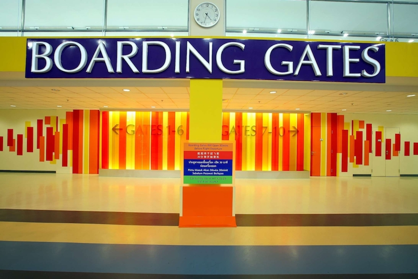 boarding gates lowres