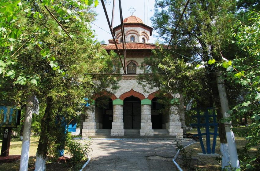 Фасад Кухурештской церкви