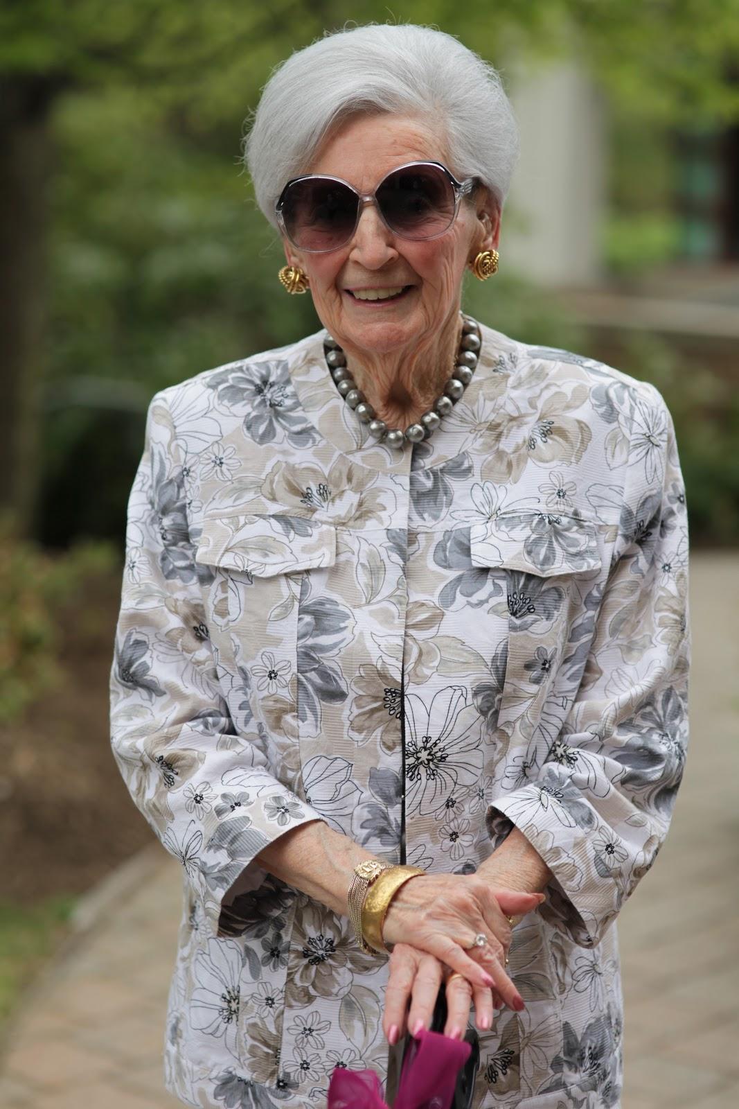 Old lady fashion show 78