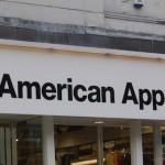 Провокационная витрина American Apparel