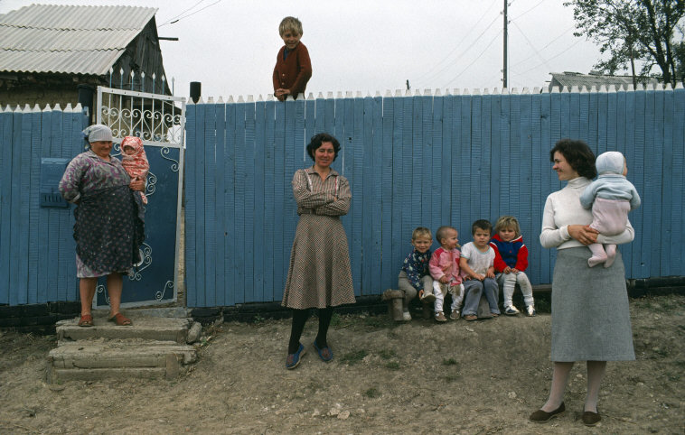 MOLDAVIA. Narotchetny village in northern Moldavia. 1988.