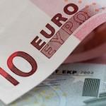 Курс евро достиг рекордной отметки