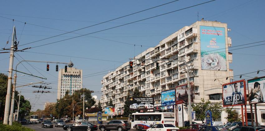 Stefan_Cel_Mare,_Chisinau,_Moldova_(7992638835)
