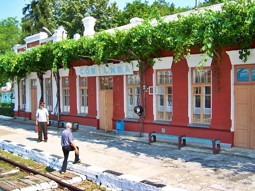 rail-way-stations-Moldova-13