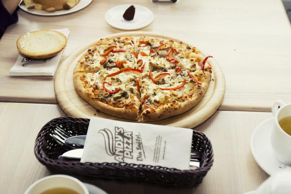 54andys-pizza-albosoara-locals-2014_новый размер