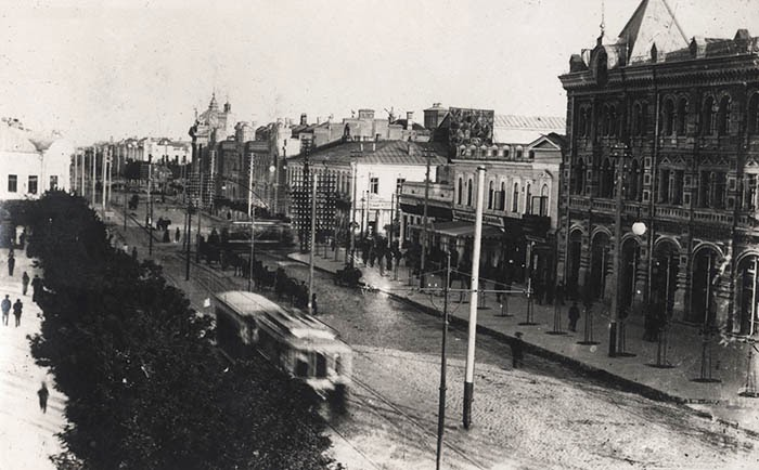Александровская улица и трамваи