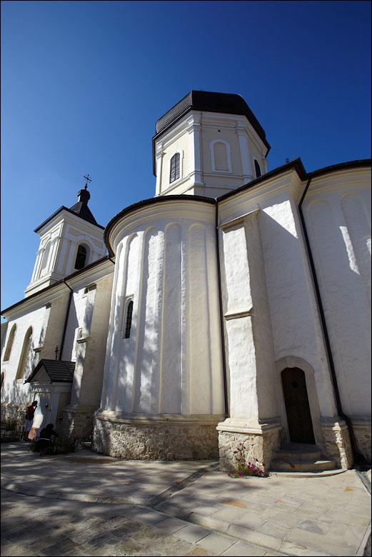 Величие восстановленной Успенской церкви. Фото: benia.livejournal.com