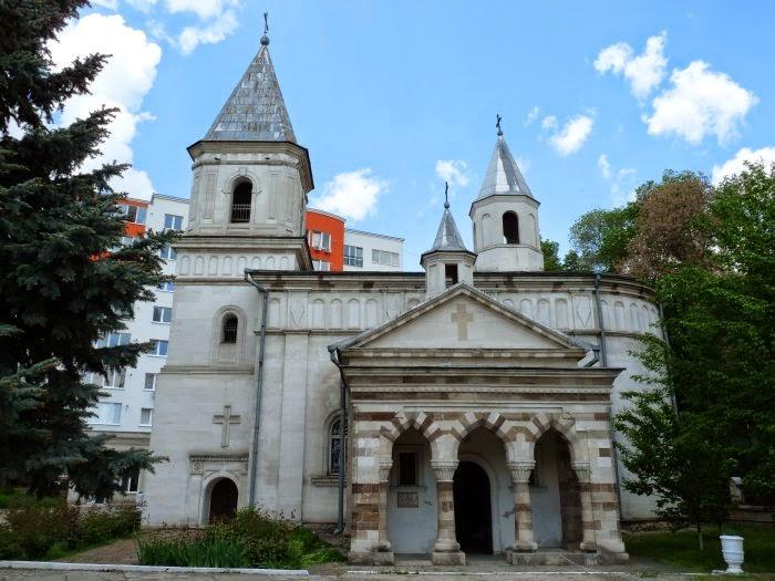 Апостольская церковь Святой Богородицы.