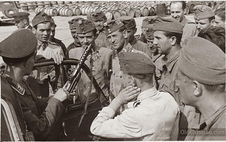 Бельцы. Венгерские солдаты.