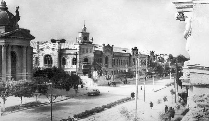 Почти отстроенное здание Примэрии. Конец 1940-х.