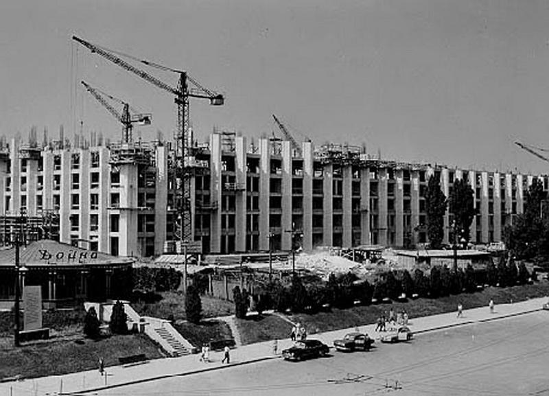 Строительство Дома правительства. 1963 г.