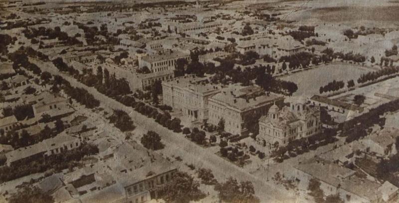 Кадр относят к 1947 году. Снято военным корреспондентом Раскином для оценки разрушений.