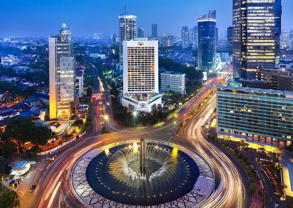 02-jakarta_indonesia_night