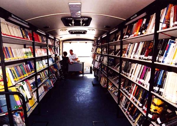 bibliobus_carti