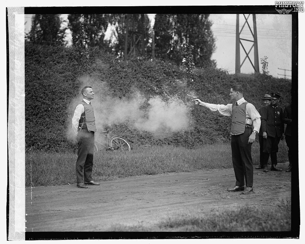 13.09.1923г. Вашингтон. США. Испытание бронижелета.