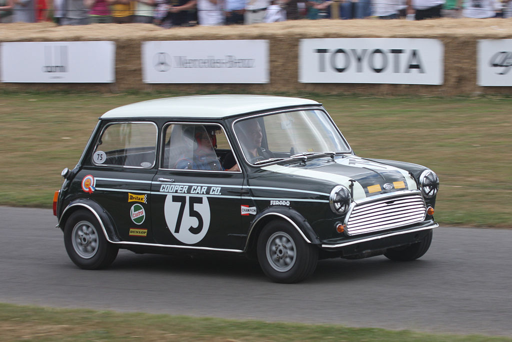 1968MorrisMiniCooperSCC BY 2.0просмотр условий Brian Snelson - originally posted to Flickr as 1968 Morris Mini Cooper S