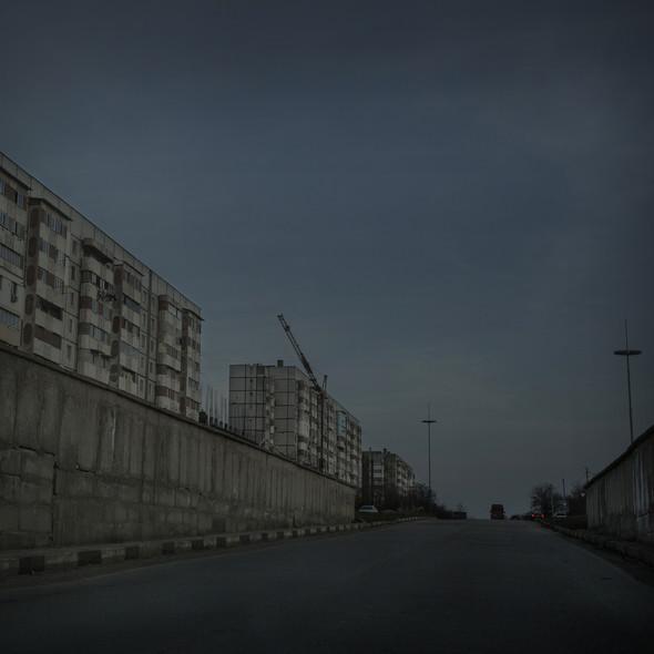 Пустая улица а Бельцах, втором по величине городе Молдовы. Многие люди эмигрировали из бедной страны в последние годы. Фото Asa Sjöström