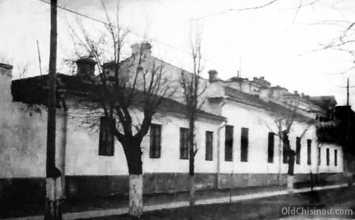 Здания вдоль Семинарской улицы.