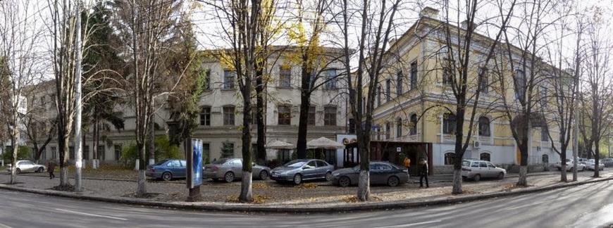 Новый семинарский корпус, фотография 2009 года.