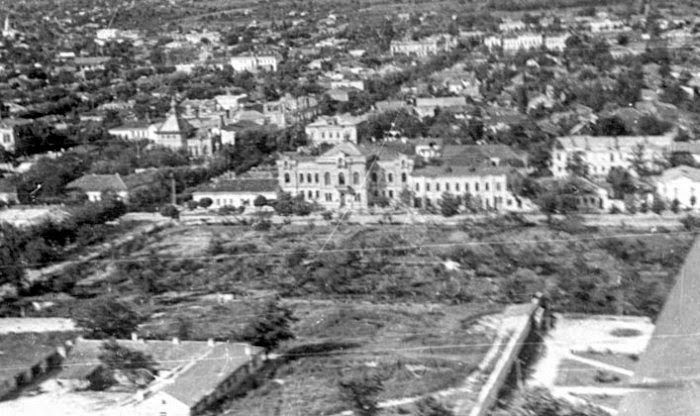 Сад Митрополии с самолёта. Фотография 1947 года.