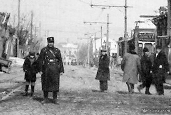Жандарм на Армянской улице.