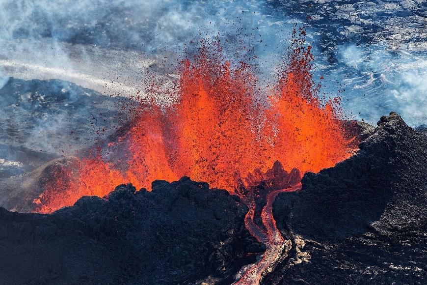 Вулкан - Iceland is Hot!