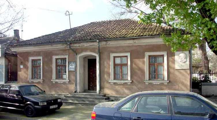 casa_muzeu_sciusev_monument_sit_md