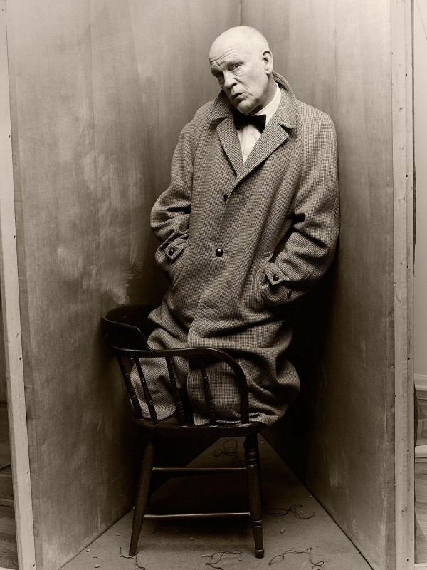 the-series-began-two-years-ago-when-sandro-came-up-with-the-idea-to-pay-homage-to-his-hero-irving-penn-by-recreating-one-of-his-iconic-images-a-photograph-of-the-author-truman-capote-kneeling-on-a-chair-wedge