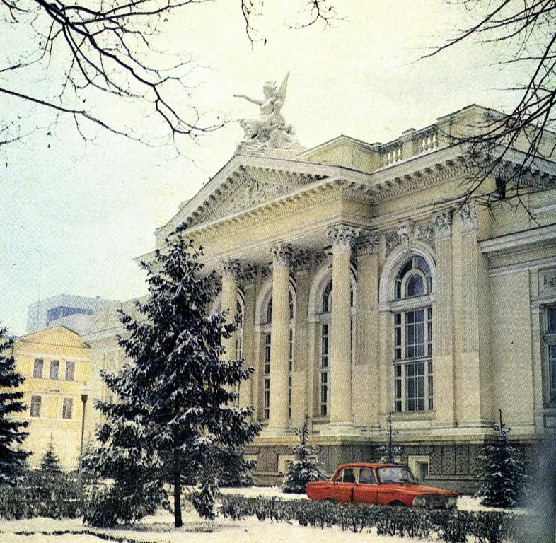 sala-cu-orga-moldova-01