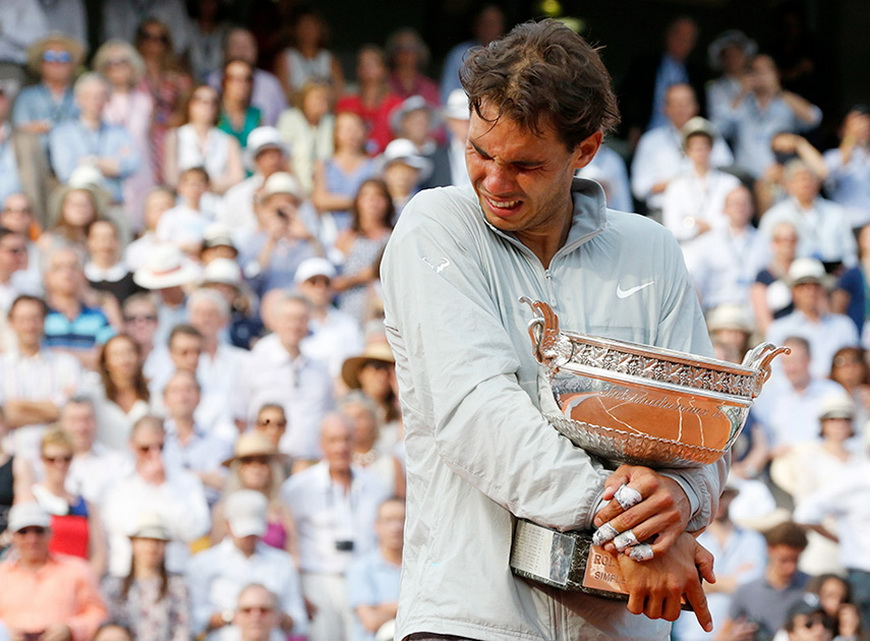 Рафаэль Надаль после победной игры в финале «Ролан Гаррос», Париж (Франция), 8 июня 2014 года. Фото: Jean-Paul Pelissier / Reuters