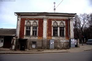 Здание на ул. Бэнулеску Бодони (бывшая ул. Гоголя). Фото: newmoldova.com