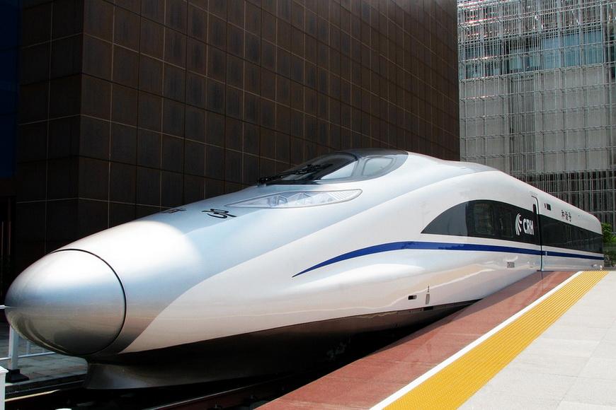 Высокоскоростной поезд CRH380A, введенный в эксплуатацию два года назад. (WikiMedia/Alancrh)